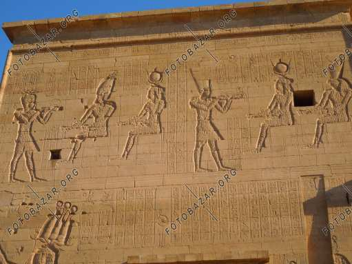 Space drawings on the walls of the temple of Isis